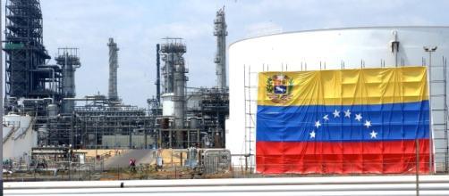 Sanciones a Venezuela endurecen el mercado petrolero