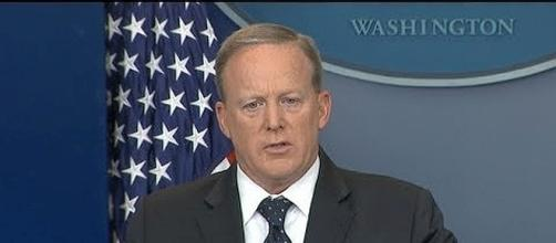 Sean Spicer is leaving the White House for another career [Image: ABC News/YouTube screenshot]