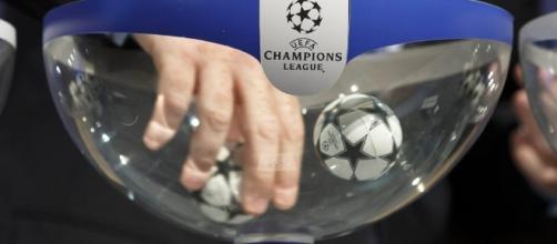 Sorteggio preliminari Champions League, orario diretta tv e possibili avversarie Napoli