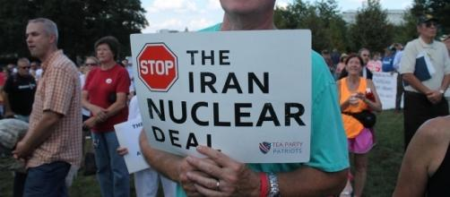 Trump supporter against Iran nuclear deal. / [Image by Elvert Barnes via Flickr, CC BY-SA 2.0]