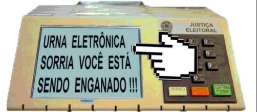 Urna eletrônica - Sorria, você está sendo enganado