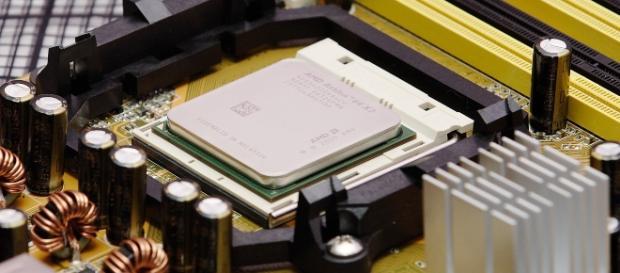 AMD Athlon CPU - Wikimedia Commons / Flagstaffotos