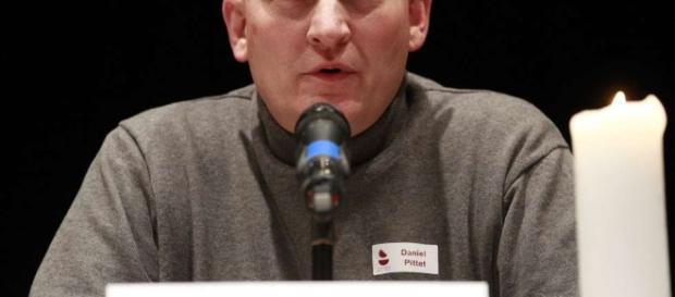 Daniel Pittet, ex-coroinha escreve livro onde conta que foi estuprado