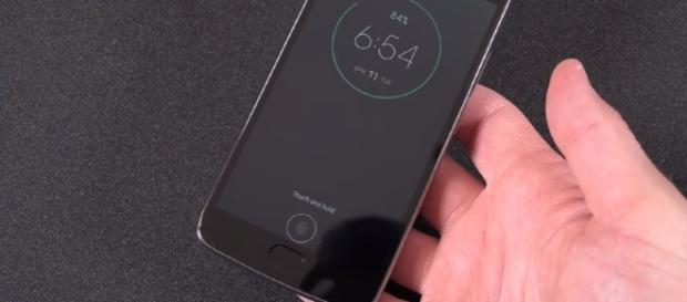 Moto G5 Plus: Unboxing & Review - Image: DetroitBORG   YouTube