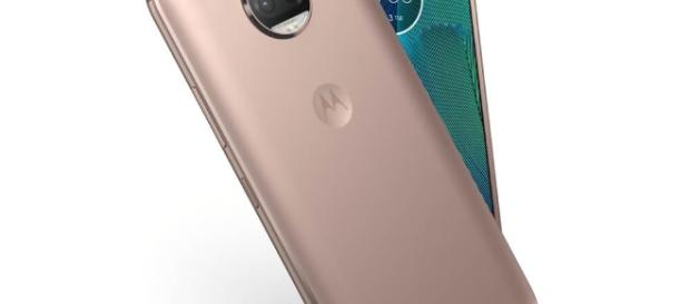 Moto G5S Plus with front and rear in Fine Gold Color