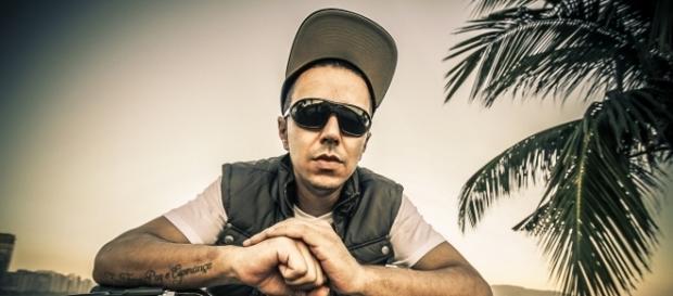 O rapper e instrumentista Rica Silveira em Santos - SP - Foto/Divulgação: Marcela Sanches
