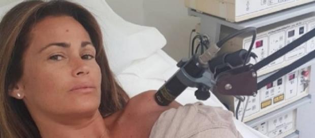 Samantha De Grenet all'ospedale scatta la polemica per un selfie