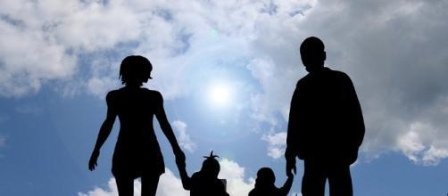 Family first. Image via Pixabay