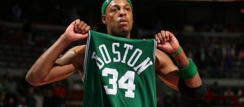 Pierce jugó para los Celtics por 15 temporadas, llevándolos a un campeonato de la NBA en 2008