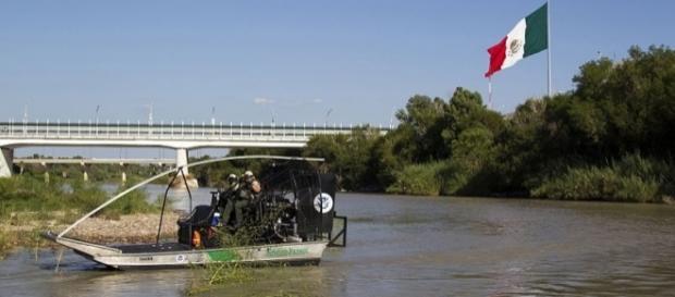 Border Patrol Unit in Laredo, along Rio Grande Valley River (Credit - Donna Burton – wikimediacommons