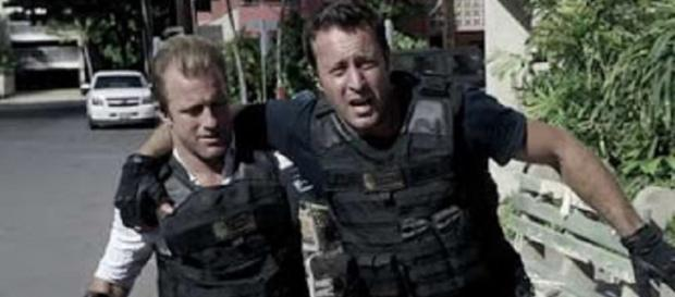 "Scott Caan does a lot more than complete the ""bromance"" and compete in ""carguments"" on ""Hawaii Five-O"" Screencap Positively Squeeful/YouTube"