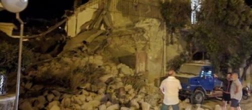 a Ischia, crolli a Casamicciola: sarebbero due le vittime, 25 i ... - news-town.it
