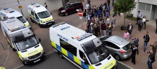 Attentato Londra. Furgone sulla folla, poi le coltellate: sette ... - ilfattoquotidiano.it