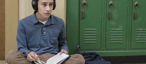 Atypical, la nuova serie Tv, ci porta questa volta nel mondo dell'autismo.