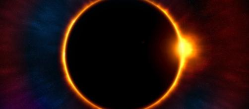 Turns out the Flat Earthers have a theory about the Solar Eclipse - intographics via Pixabay