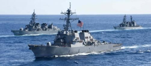 USS John McCain Singapore - Photo: Wikimedia Commons (US Navy)