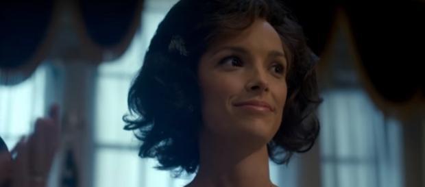 Jodi Balfour as Jackie Kennedy, The Crown Season 2- (YouTube/Netflix)