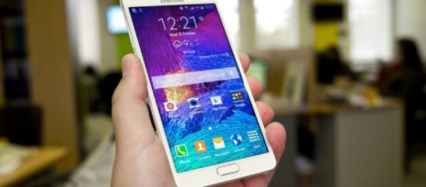 Samsung Galaxy Note 8 will be the costliest phone [Image via Flickr/Karlis Dambrans]