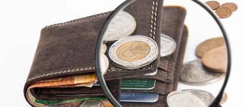 Cash break. Image via Pixabay.