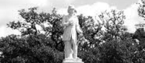 Dick Dowling statue (Patrick Feller flickr)