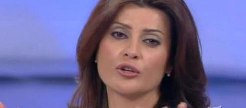 Elga Profili contro Maria De Filippi