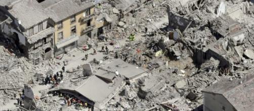 L'apocalittica veduta di Amatrice dopo il terremoto del 24 agosto 2016