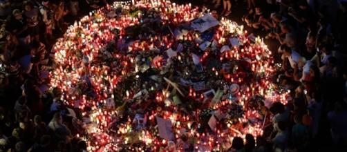 Memorial to the victims of the La Rambla, Barcelona van attack [Image: YouTube/ The Telegraph]
