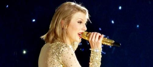 Photo of Taylor Swift Image by Tony Shek | Flickr.