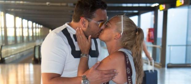 Belén Esteban se derrite con la nueva sorpresa de su novio.