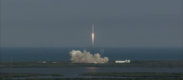 SpaceX Falcon 9 launch (Courtesy NASA)