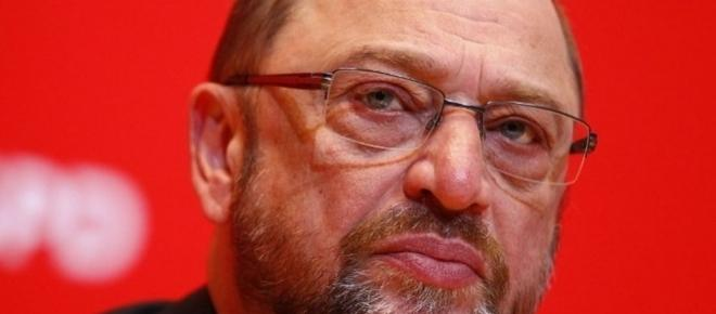 A cinq semaines du scrutin, Martin Schulz durcit le ton contre Angela Merkel