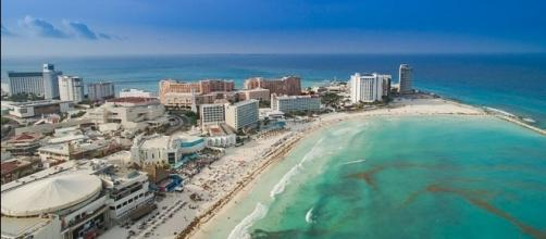 Aerial view of Cancun (Credit – Dronepicr – wikimediacommons)