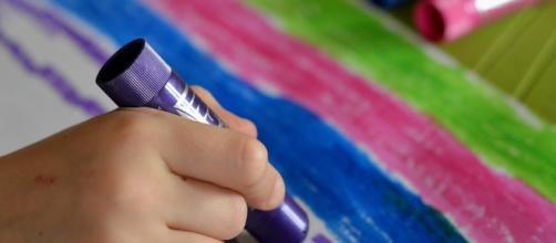 Art therapy for kids. Image via Pixabay.