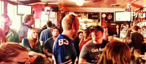 Buffalo Bills Fans @ NorthStar Bar in SF | Gabrielle Morabito | Flickr - flickr.com