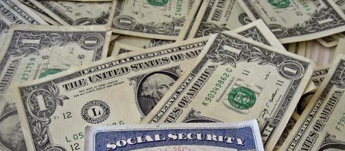 Money - Image - CC BY-SA 2.0 401kcalculator.org