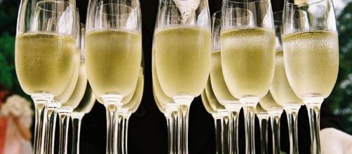 Champagne - Image via Pixabay.