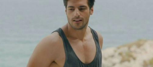Cherry Season: ecco cosa fa l'attore turco Serkan Cayoglu per mantenersi in forma