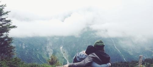 Couple. Love. Image via Pixabay.