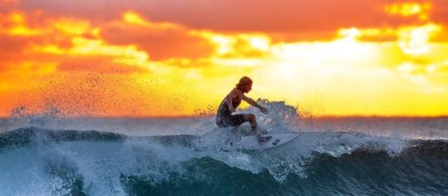 Feelings are like waves. Pixabay.