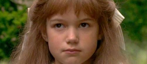 """Kate Maberly em cena de """"O Jardim Secreto""""."""
