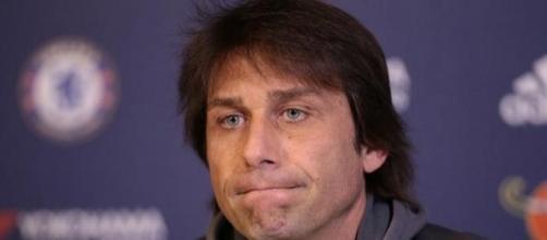 La continuidad del entrenador italiano, cuestionada.