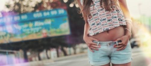 Los shorts de jean son el comodín perfecto para casi cualquier look.