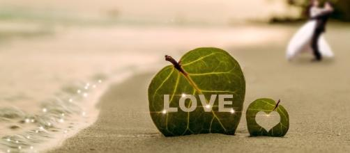 Love. Impress. Image via Pixabay.