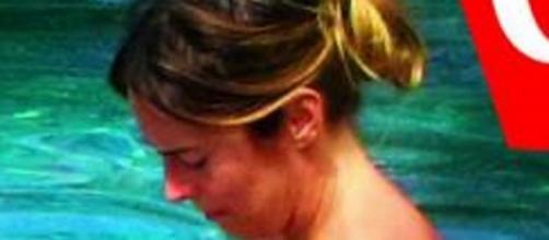 Maria Elena Boschi paparazzata in bikini