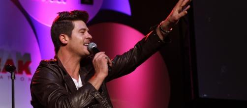 Robin Thicke photographed in 2012 - Flickr/City Year