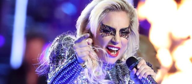 A rumores envolvendo a talentosa cantora Lady Gaga com o lado negro