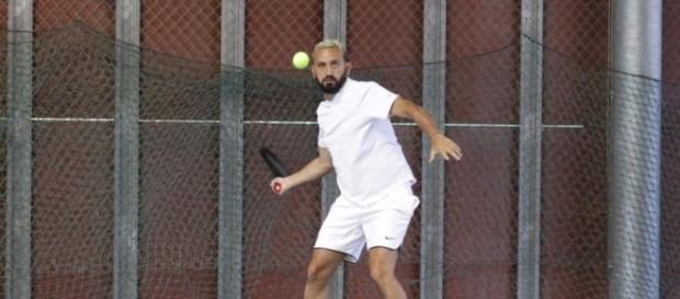 PHOTOS. Quand Cyril Hanouna relâche la pression lors d'un tournoi ... - nicematin.com