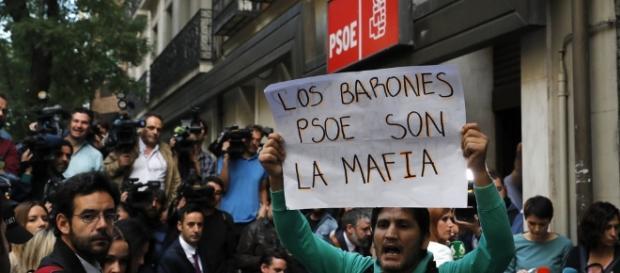 PSOE: protestas del 1 de octubre en la sede de Ferraz