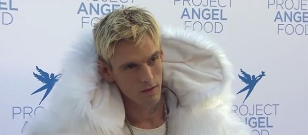 Singer Aaron Carter keeps it real on social media, sharing his life with his fans. (YouTube/ET)