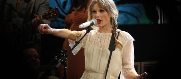 Taylor Swift new album/Eva Rinaldi via Flickr